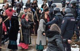 Сотни сотрудников ОМОН задействованы в устранении беспорядков с участием цыган под Тулой. ФОТО