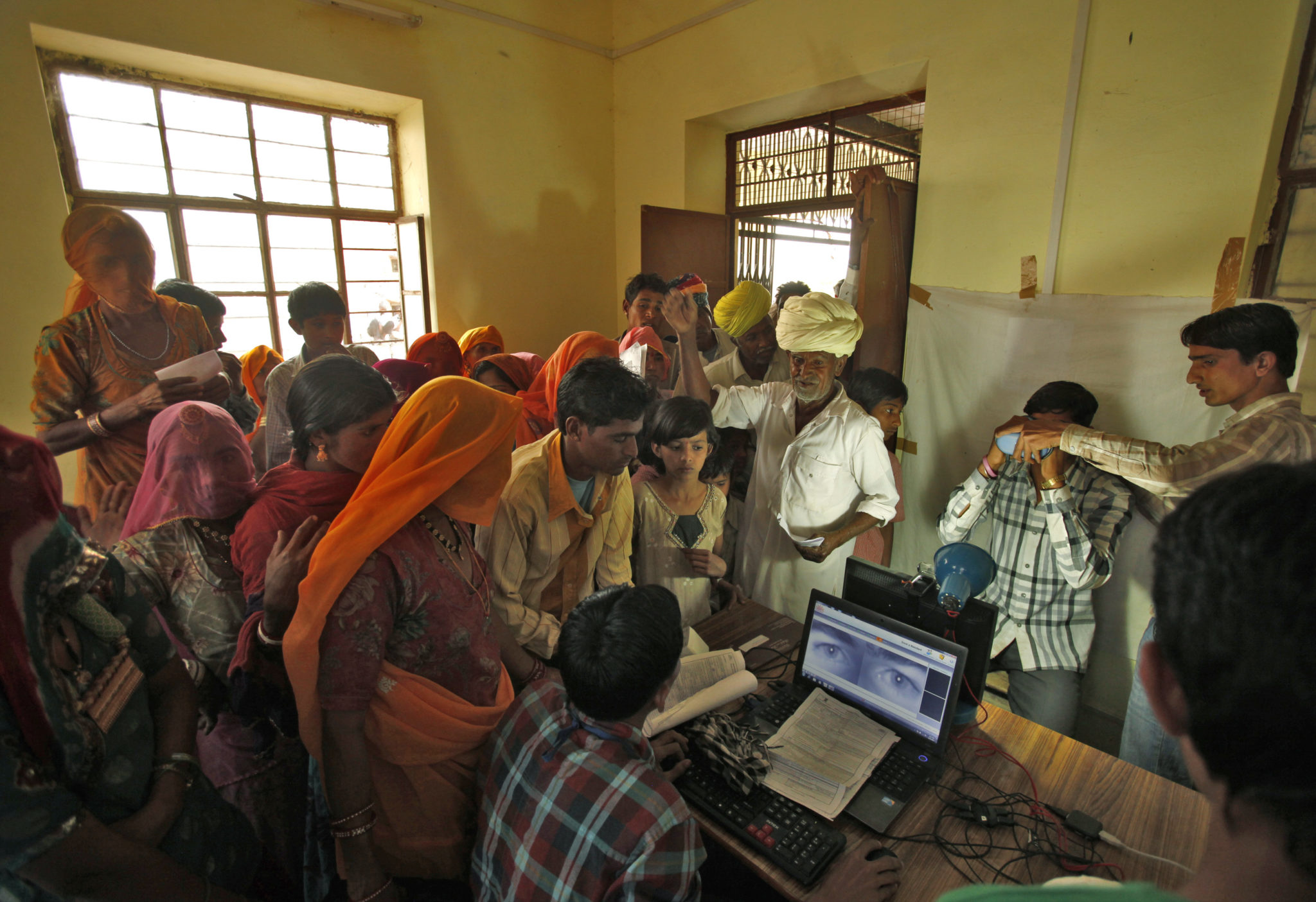 Единый реестр биометрических данных превращает жизнь индийских граждан в антиутопию