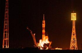 «Роскосмос» запланировал отправить на Луну экипаж в составе четырех человек