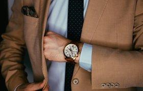Строгий костюм или шорты с майкой: как одеться на бизнес-встречу