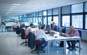 Отказ от традиционных кабинетов повысил работоспособность чиновников России — исследование