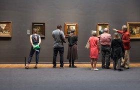 Как музеи зарабатывают миллионы на Oreo, чехлах для iPhone и Tiktok