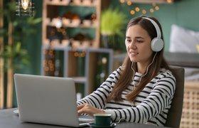 Лето в интернете: 10 обучающих онлайн-лагерей для детей и подростков