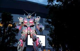 Японский человекоподобный робот Gundam научился преклонять колено