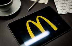 McDonald's подал в суд на своего бывшего гендиректора Стивена Истербрука