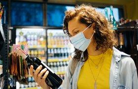 Бизнес-омбудсмен предложила запретить свободную продажу алкоголя ради увеличения темпов вакцинации