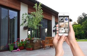 На Facebook подали в суд за слежку через камеру смартфона