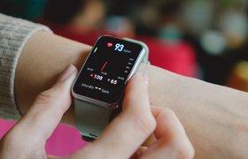 Смарт-часы стали самыми популярными носимыми устройствами у россиян — исследование