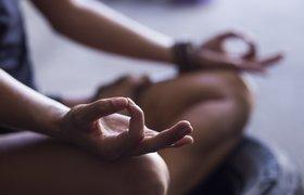 Как трансцендентальная медитация помогает избавиться от стресса
