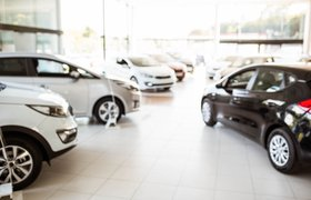 Большинство россиян отложили покупку автомобиля из-за роста цен — исследование