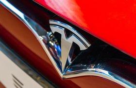 Tesla сократит зарплаты и отправит сотрудников в неоплачиваемый отпуск
