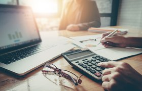 Налоговая вызывает директора и бухгалтера компании на «разговор»: что необходимо знать