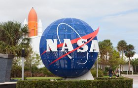 США утвердили SpaceX в качестве единственного подрядчика лунной программы. Blue Origin пыталась оспорить решение