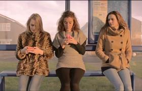 Видео о том, почему важно иногда отрываться от телефона