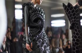 Одежда из 3D-принтера: почему производители до сих пор не сделали ее массовой?
