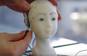 Японские инженеры разработали робота, подражающего мимике человека