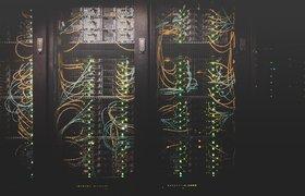 Intel представила свой первый чип для систем искусственного интеллекта