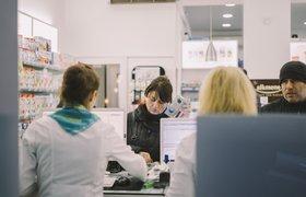 «Почта России» начала открывать в отделениях аптеки
