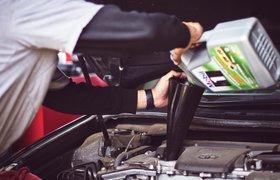 Эксперты сравнили стоимость обслуживания автомобилей в Москве и Петербурге