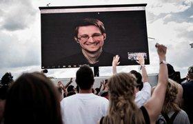 Как Эдвард Сноуден зарабатывает, находясь в Москве