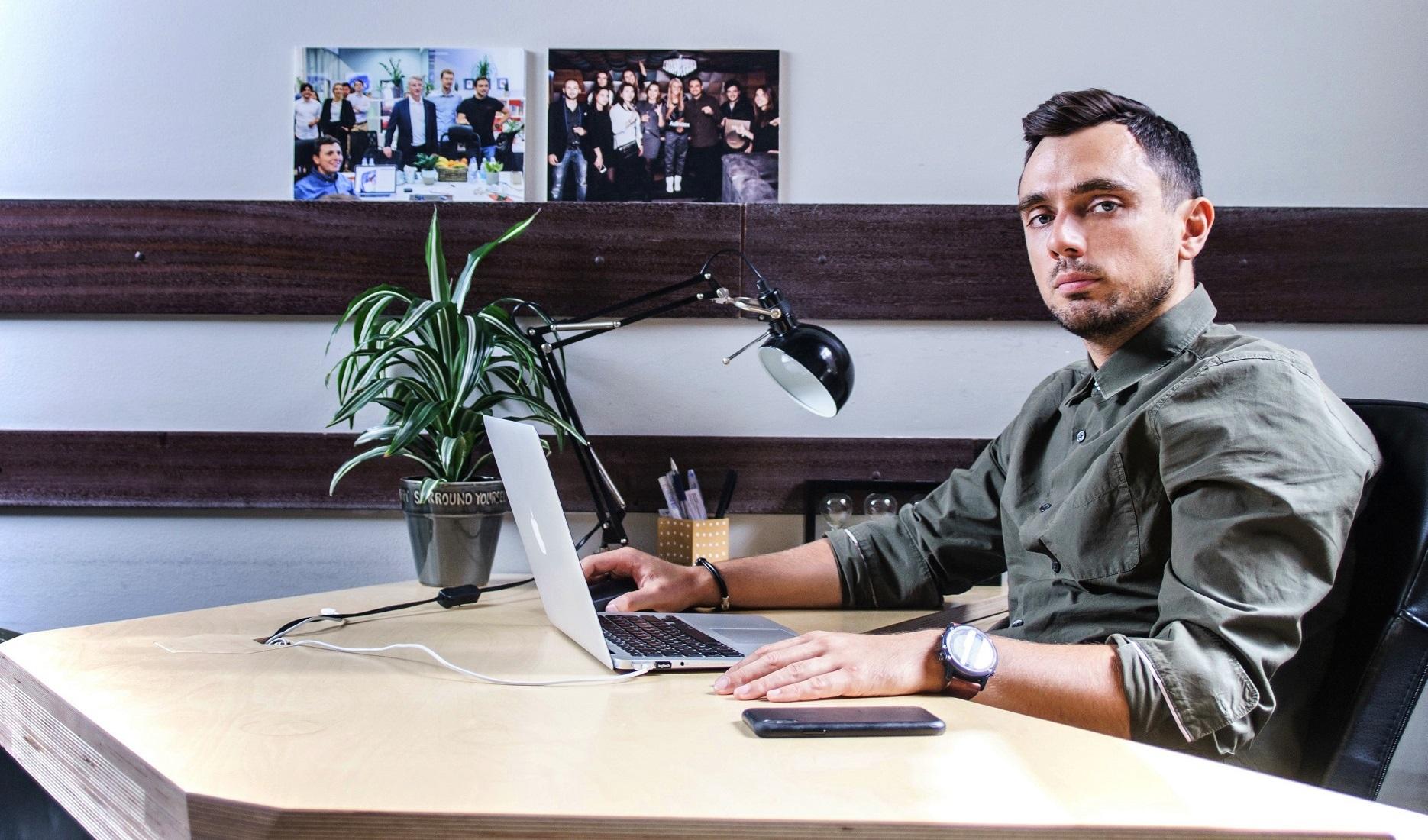«Технологии — это бизнес с хардкором, предательствами и поражениями»: рабочие лайфхаки Романа Нестера, основателя Segmento