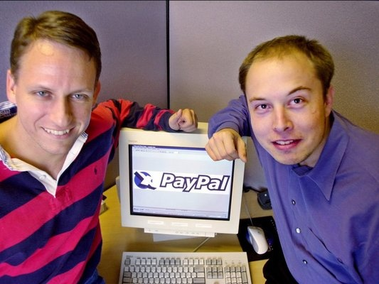 В 1999 году он основал систему онлайн-платежей X.com, которая потом станет PayPal