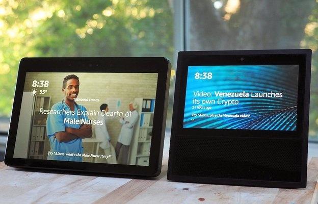 Amazon Echo Show 2 (слева) и Amazon Echo Show. Фото: theverge.com
