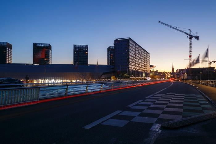 ночной город, строительный кран