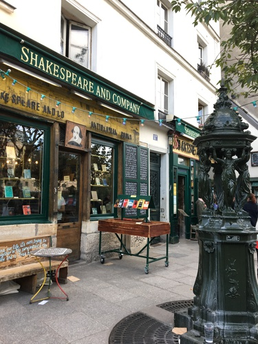 Шекспир в Париже