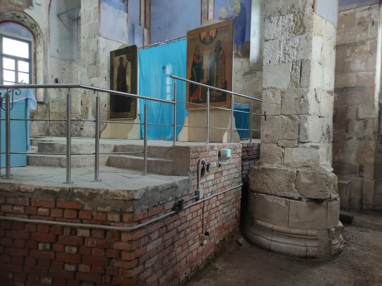 Кубик, установленный в историческом месте
