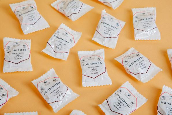Упаковки с витаминами